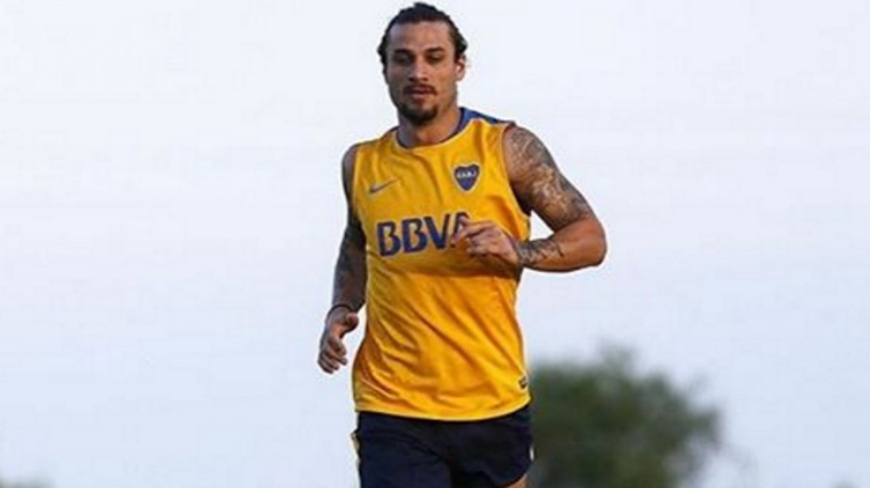 Para recuperar ritmo, Daniel Osvaldo se entrena solo en Boca