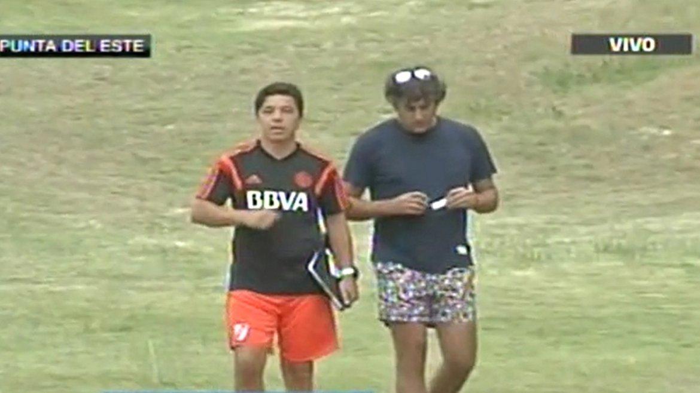 Enzo Francescoli lució un look particular en el entrenamiento de River