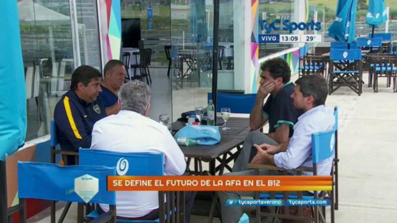 Daniel Angelici, Luis Segura, Matías Lammens y Alfredo Dagna, reunidos en la playa