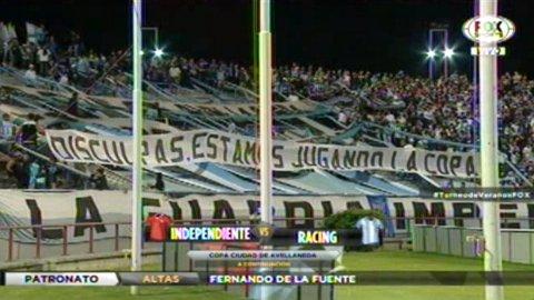 Disculpas, estamos jugando la Copa, la bandera de Racing a Independiente