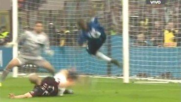 El penal que Alex le hizo a Mauro Icardi en Milan-Inter