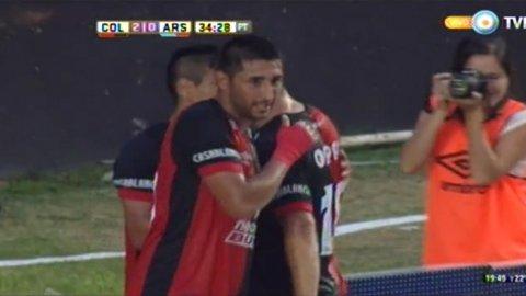 El gol de Alan Ruiz, luego de una exquisita maniobra asociada con Figueroa, para Colón 2-0 Arsenal