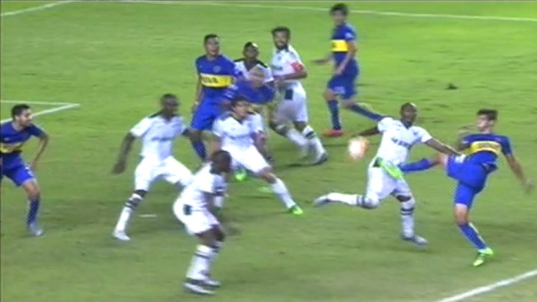 Boca reclamó penal en el final del partido con Deportivo Cali y se le fue al humo al árbitro