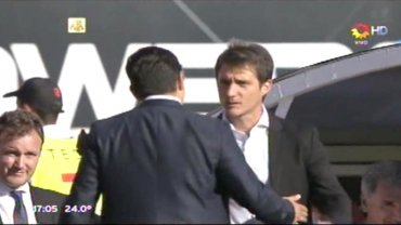 El frío saludo entre Guillermo Barros Schelotto y Marcelo Gallardo antes del Superclásico