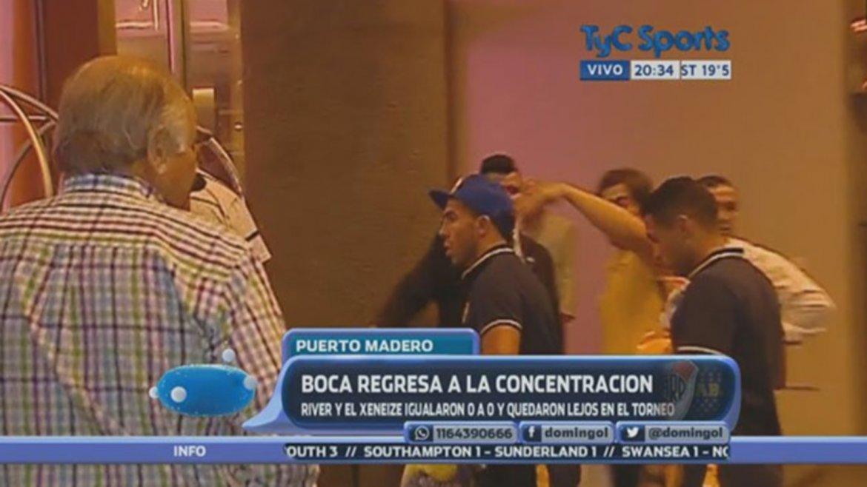 El plantel de Boca, recibido a puro insulto por el hincha de Boca luego del 0-0 con River