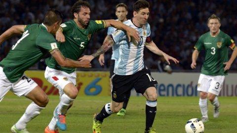 Las mejores gambetas de Lionel Messi ante Bolivia que hicieron delirar a los cordobeses