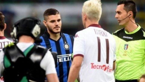 Polémico gesto de Maxi López a Icardi en el saludo de Inter-Torino