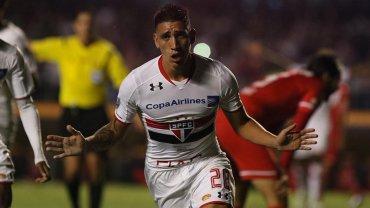 El San Pablo de Bauza goleó 4-0 al Toluca con un doblete de Centurión