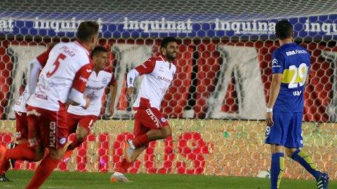 El gol de Carlos Bueno que le dio la victoria a Argentinos ante Boca