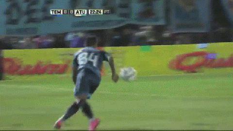 Matías Sánchez marcó de cabeza para Temperley ante Atlético Tucumán