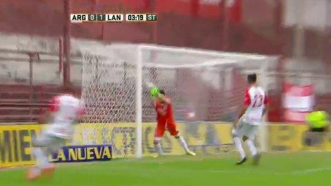 El increíble error de Camilo Vargas que manda a Argentinos Juniors al descenso