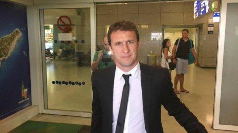 Arruabarrena llegó al aeropuerto de Grecia
