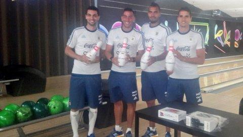 El plantel de la Selección Argentina fue a jugar al bowling