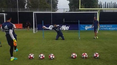 Nada Chiquito. Sergio Romero exigido en el arco, en un nuevo ensayo de la Selección argentina