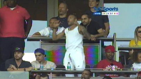 Neymar, sufriendo con Brasil en la Copa América desde la tribuna